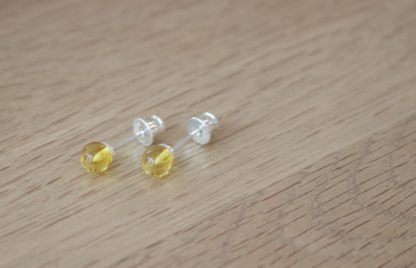 Jantárové náušnice Korálky žlté