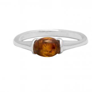 Elegantný jantárový prsteň zo striebra a pravého baltického jantáru